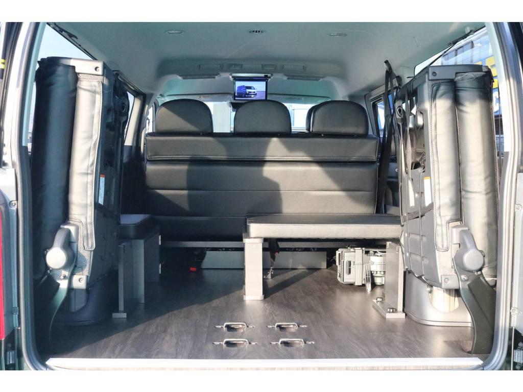 最後列のシートを跳ね上げると荷物もたくさん積めます♪ | トヨタ ハイエース 2.7 GL ロング ミドルルーフ TSS付 Ver.2内装仮装