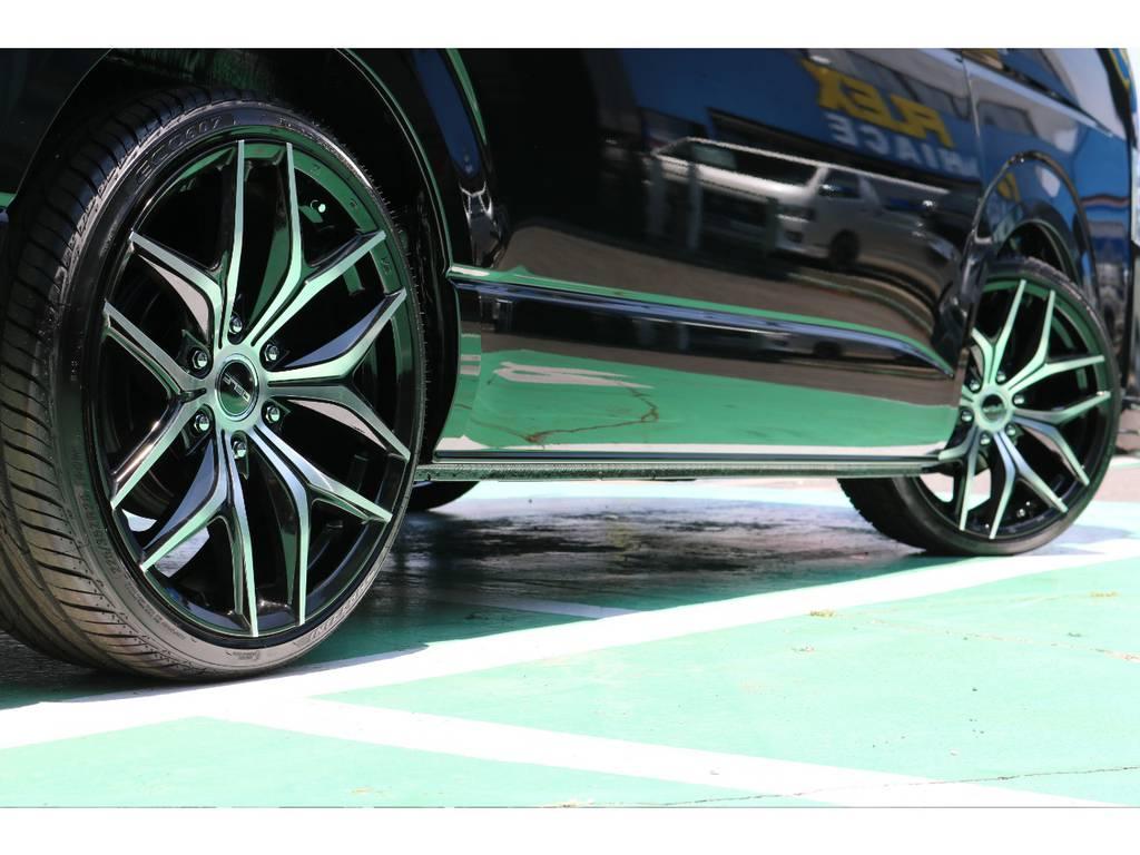 引っ張りタイヤの20インチなので迫力があります!! | トヨタ ハイエース 2.7 GL ロング ミドルルーフ TSS付 Ver.2内装仮装