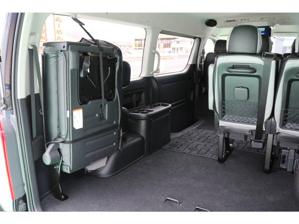 全席シートカバー装着済みの為内装は非常にオシャレです!   トヨタ ハイエース 2.7 GL ロング ミドルルーフ 4WD FLEXカスタム下取り直販