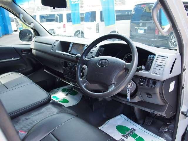 運転席エアバッグ&ABSは標準装備です。 | トヨタ レジアスエース 2.5 DX ハイルーフ スーパーロングボディ ディーゼルターボ