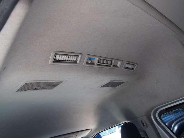 Wエアコン完備!後付け不可能な貴重なオプションですね。 | トヨタ レジアスエース 2.5 DX ハイルーフ スーパーロングボディ ディーゼルターボ