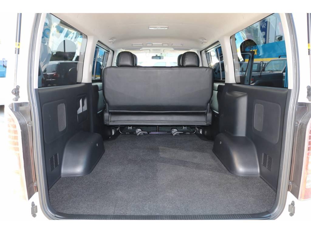 広々としたラゲッジスペース!車中泊・トランポ・フィッシングなど用途に応じて各種カスタムもお任せください。