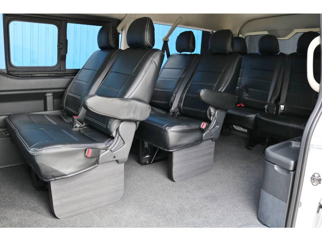 もちろん、後部座席もブラックレザー調シートカバー完備!!お手入れも楽ですね♪ | トヨタ ハイエース 2.7 GL ロング ミドルルーフ TSS付 アルパインパッケージ