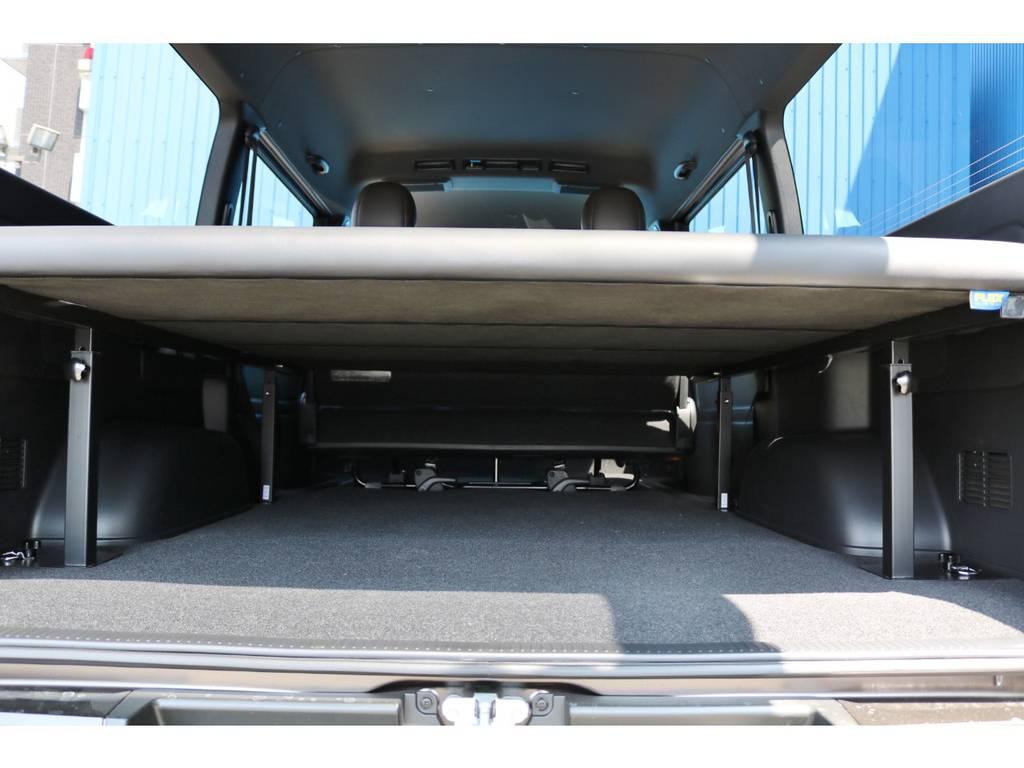 ベッド下にはスペースもあり、荷物も収納出来ます♪ | トヨタ ハイエースバン 2.8 スーパーGL 50TH アニバーサリーLTD ワイド ミドルルーフ ロングボディ Dターボ グラファイトメタリック