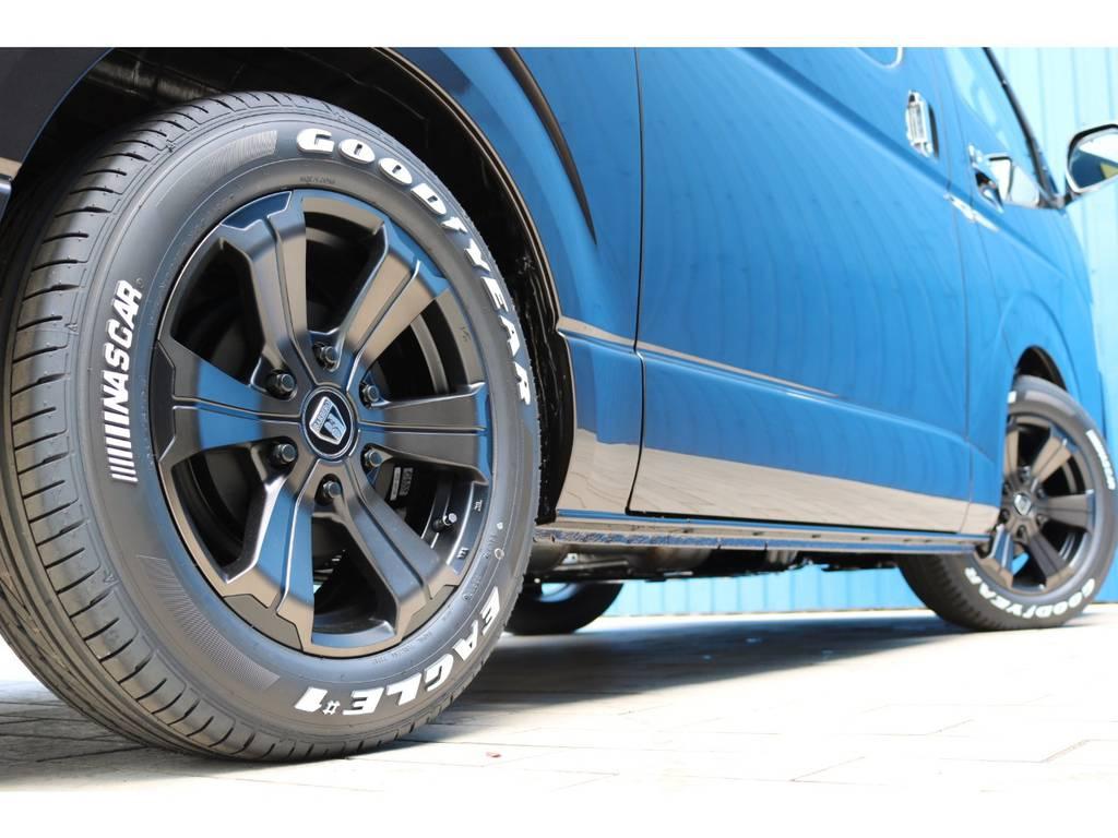 FLEXオリジナルカラー バルベログランデ17AW&ナスカータイヤ | トヨタ ハイエースバン 2.8 スーパーGL 50TH アニバーサリーLTD ワイド ミドルルーフ ロングボディ Dターボ グラファイトメタリック