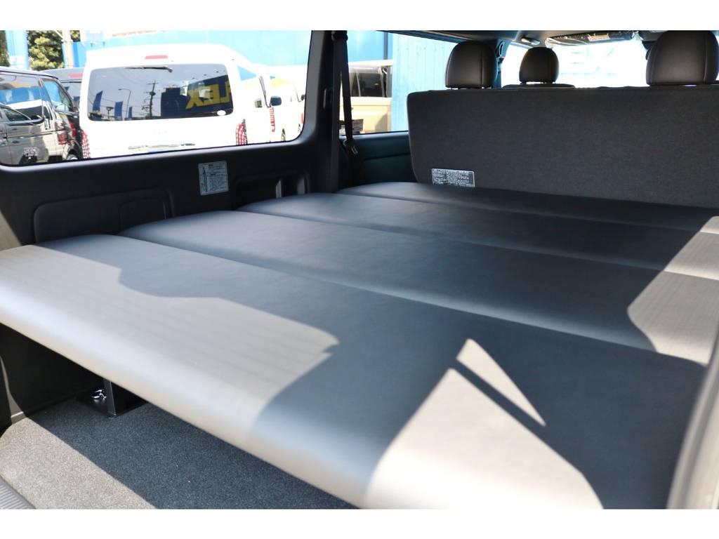 工具無しで高さ調整や取外しも可能です! | トヨタ ハイエースバン 2.8 スーパーGL 50TH アニバーサリーLTD ワイド ミドルルーフ ロングボディ Dターボ グラファイトメタリック
