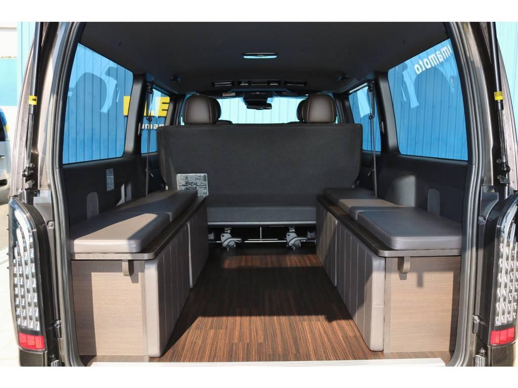 重歩行用床パネル施工!柄は50周年記念モデル専用ブラックエボニーを採用! | トヨタ ハイエースバン 2.8 スーパーGL 50TH アニバーサリー リミテッド ロングボディ ディーゼルターボ Ver4-50th(4X7)