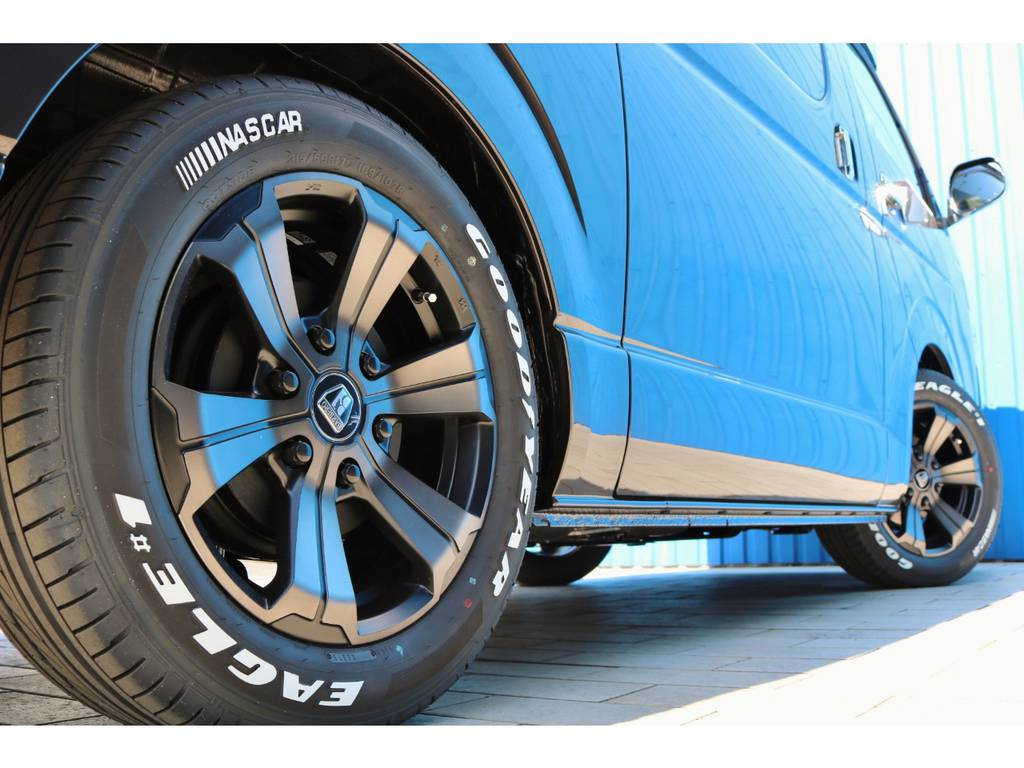 FLEXオリジナルカラー バルベログランデ17AW&GOODYEAR ナスカータイヤ | トヨタ ハイエースバン 2.8 スーパーGL 50TH アニバーサリー リミテッド ロングボディ ディーゼルターボ Ver4-50th(4X7)