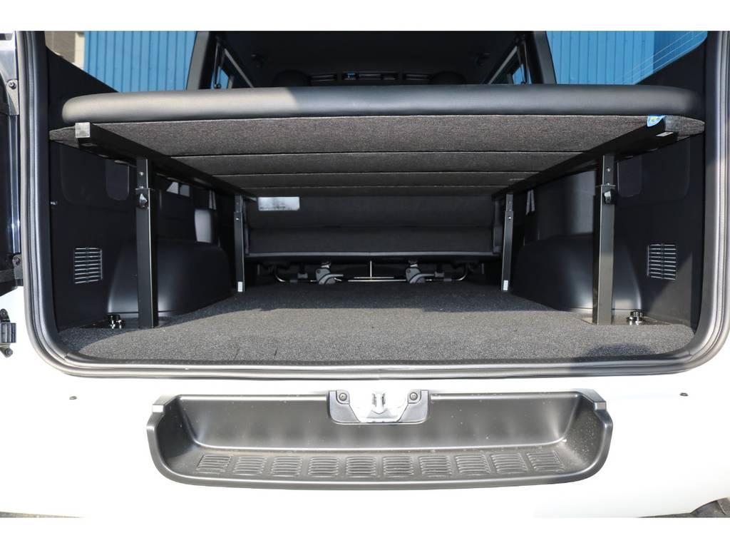ベッド下にはスペースもあり、荷物も収納出来ます! | トヨタ ハイエースバン 2.8 スーパーGL ダークプライムⅡ ロングボディ ディーゼルターボ エクストリームスタイル