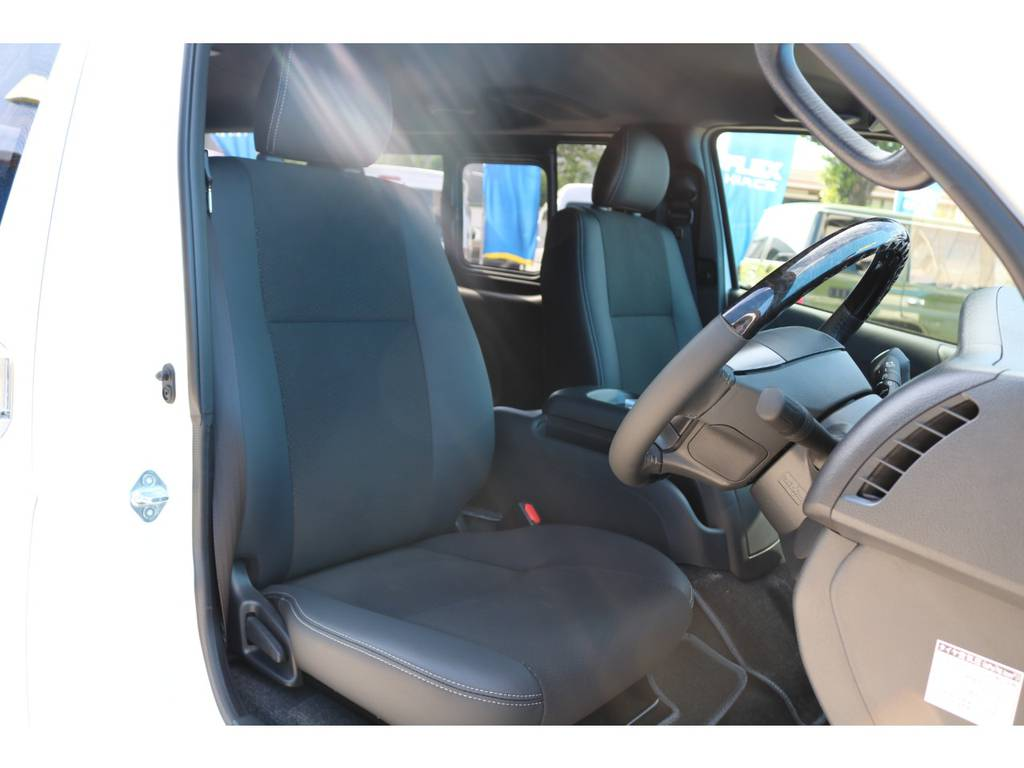 専用シート表皮 トリコット+合成皮革&ダブルステッチ | トヨタ ハイエースバン 2.8 スーパーGL ダークプライムⅡ ロングボディ ディーゼルターボ エクストリームスタイル