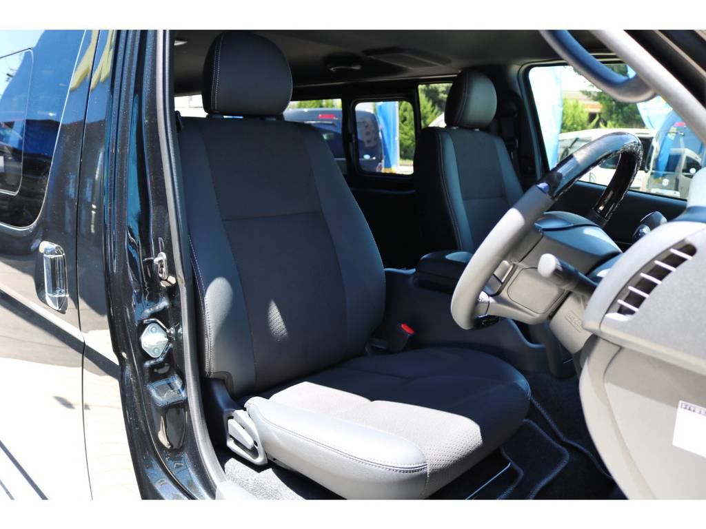 特別装備 シート表皮:トリコット+合成皮革&ダブルステッチ! | トヨタ ハイエースバン 2.0 スーパーGL ダークプライムⅡ ロングボディ DPⅡ FLEXフルカスタム