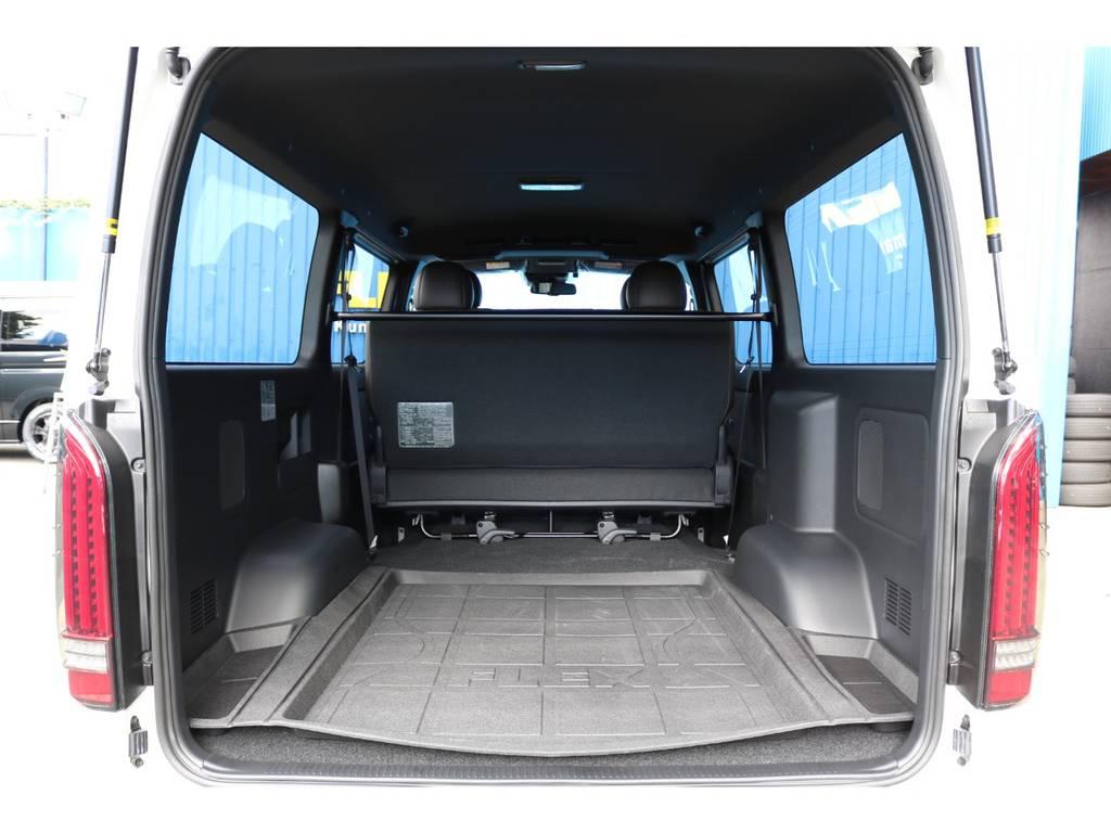 広々としたラゲッジスペース!お仕事にはもちろん車中泊やフィッシングにもおすすめです! | トヨタ ハイエースバン 2.8 スーパーGL 50TH アニバーサリー リミテッド ロングボディ ディーゼルターボ 50TH FLEXフルカスタム