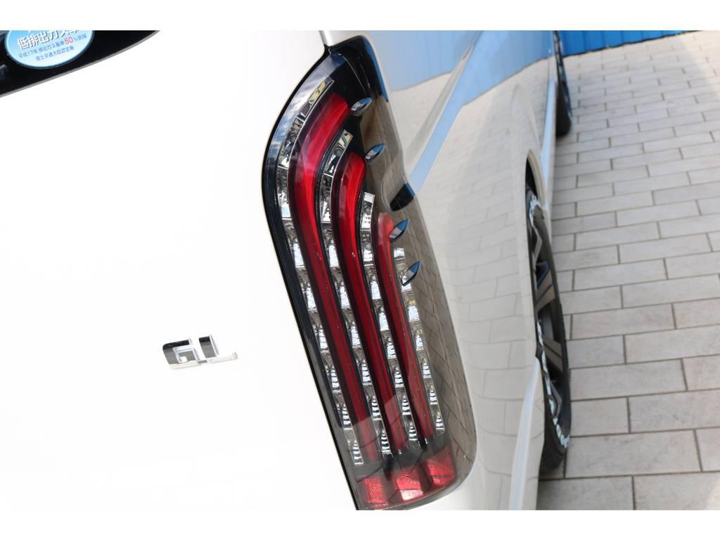 FLEXオリジナル 煌きLEDテールランプ! | トヨタ ハイエース 2.7 GL ロング ミドルルーフ TSS付アレンジAS