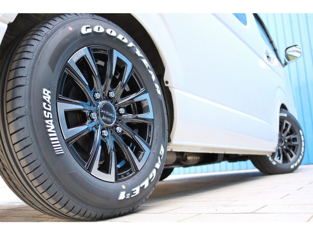 足元には新品マッドクロスブレイカーXS6 16インチアルミホイールとグッドイヤーナスカータイヤをセット!
