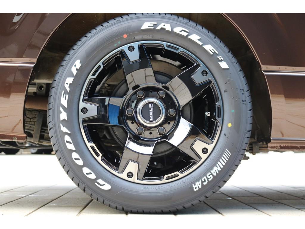 足元にはFLEX新作のDelf03(デルフゼロスリー)17インチアルミホイール&新品ナスカータイヤを装着!