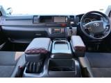 平成28年式 ハイエース スーパーGL ダークプライム 3000cc ワイドディーゼル 2WD 走行68700km