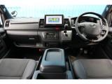 一部改良後 未登録新車 ハイエースV スーパーGL 特別仕様車『ダークプライムⅡ』 2000cc ガソリン 2WD 両側パワースライドドア付き