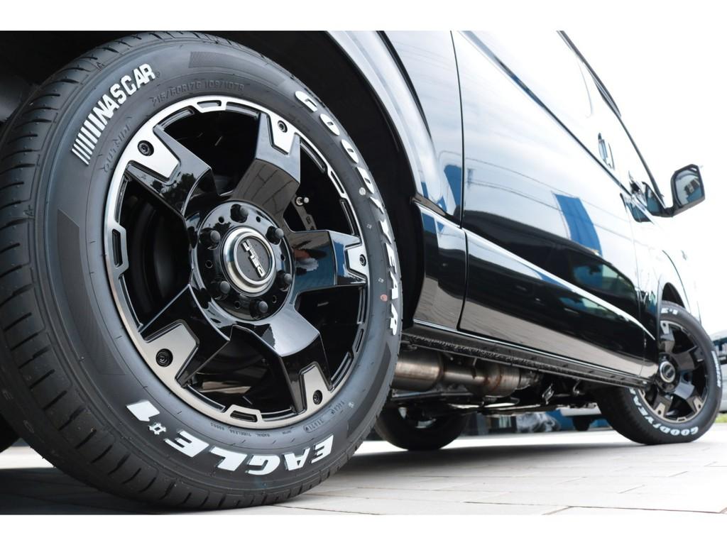 足元には新品のDelf03 17インチアルミホイール&グッドイヤーナスカータイヤをセット!