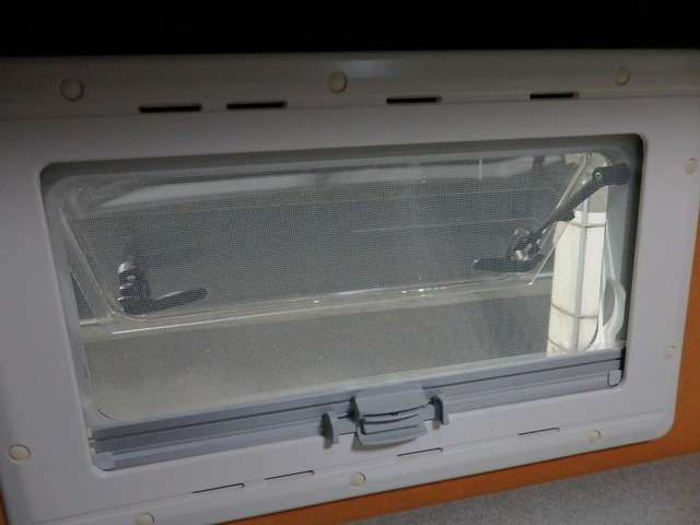 | トヨタ ハイエースバン 2.7 DX ワイド スーパーロング ハイルーフ キャンパー特装リーク