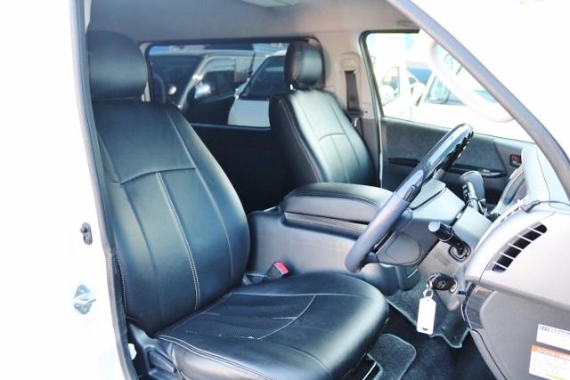 シートカバー取り付け済み♪ | トヨタ ハイエース 2.7 GL ロング ミドルルーフ ベットキット・ナビ・モニター付き