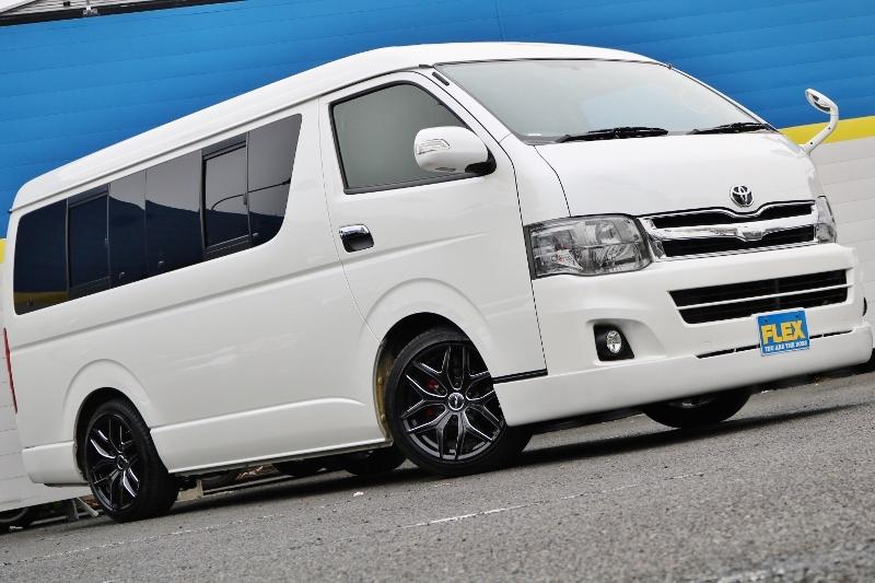 カッコイイ1台ですね♪ | トヨタ ハイエース 2.7 GL ロング ミドルルーフ ベットキット・ナビ・モニター付き
