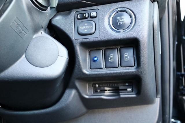 エンジンプッシュスタートボタン・運転席から操作できるパワースライドスイッチ・ETC装備! | トヨタ ハイエースバン 2.0 スーパーGL ダークプライム ロングボディ