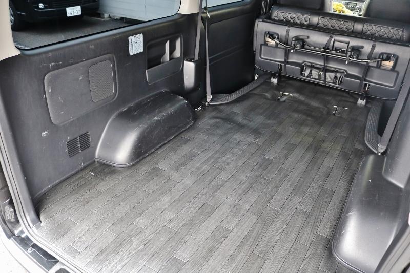 荷室も広々です♪カーゴマット施工済み♪ | トヨタ ハイエースバン 2.0 スーパーGL ダークプライム ロングボディ