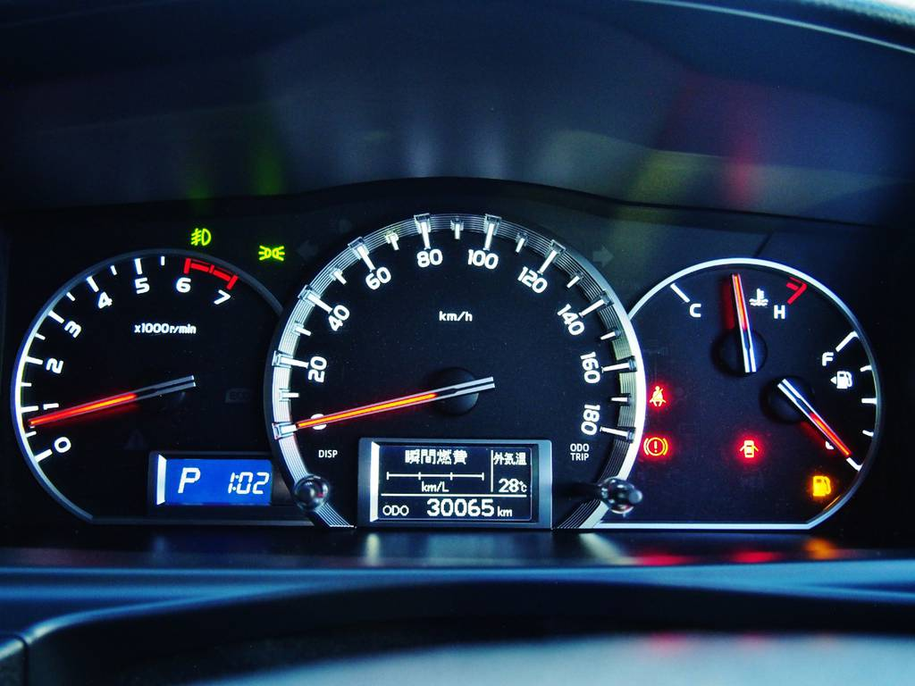 デザインも視認性もよいオプティトロンメーター! | トヨタ ハイエースバン 2.0 スーパーGL ダークプライム ロングボディ