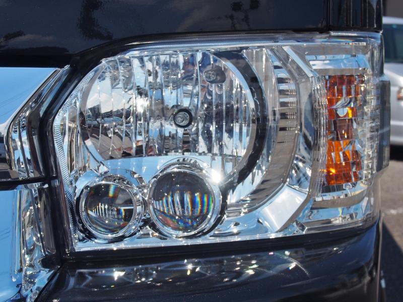 メーカーオプションのLEDヘッドライト!悪天候でもしっかり道を照らしてくれます! | トヨタ ハイエース 2.7 GL ロング ミドルルーフ TSS付