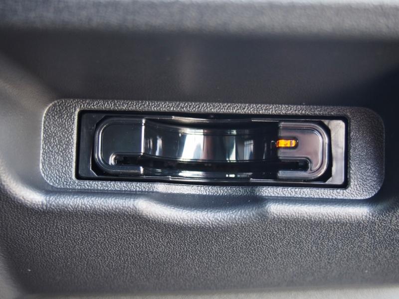 ビルトインETCは邪魔にならない場所です! | トヨタ ハイエース 2.7 GL ロング ミドルルーフ TSS付