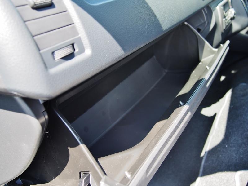 グローブボックスは大容量! | トヨタ ハイエース 2.7 GL ロング ミドルルーフ TSS付