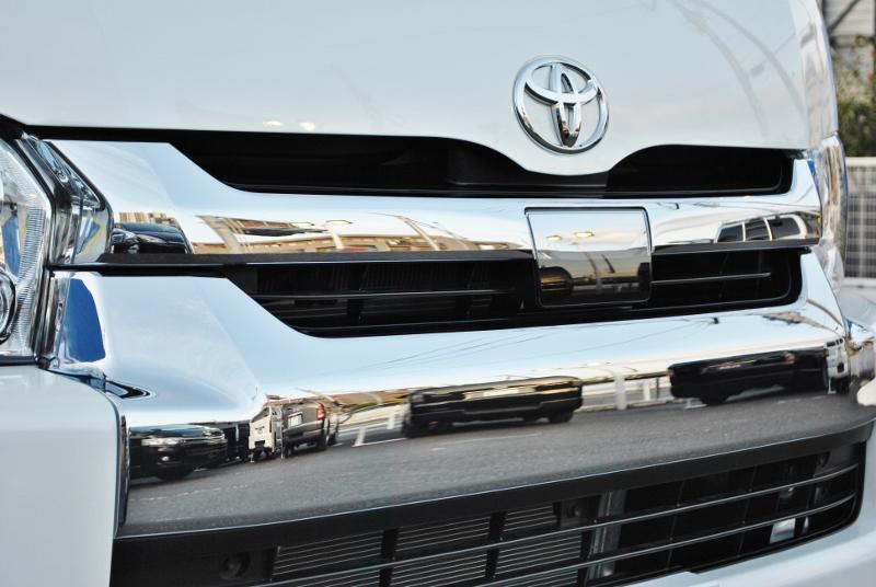 話題の自動ブレーキTSSP付き!オートハイビーム、レーンデパーチャーなども搭載! | トヨタ ハイエース 2.7 GL ロング ミドルルーフ TSS付き