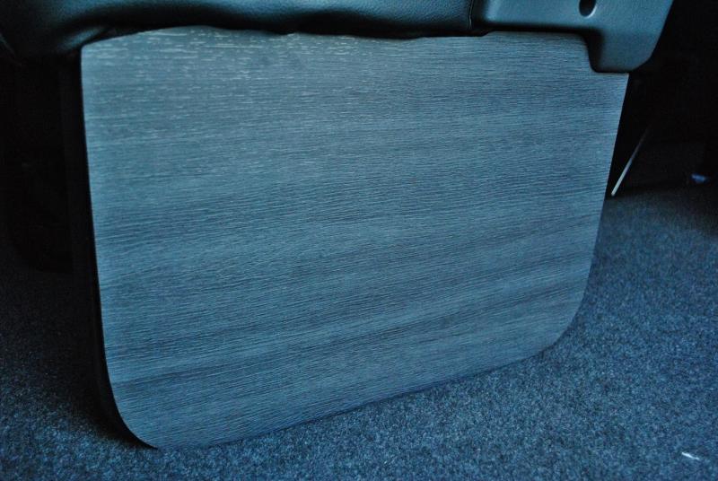 オリジナルサイドフットパネル装着! | トヨタ ハイエース 2.7 GL ロング ミドルルーフ TSS付き