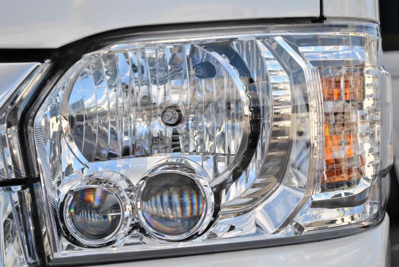 ヘッドライトはメーカーオプションのLEDヘッドランプになっています! | トヨタ ハイエース 2.7 GL ロング ミドルルーフ 4WD TSS付シートアレンジR1