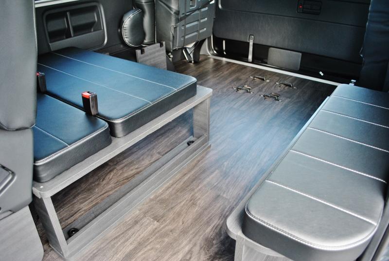 ベットのパネルは外せます♪   トヨタ ハイエース 2.7 GL ロング ミドルルーフ セーフティー付き Ver1施工