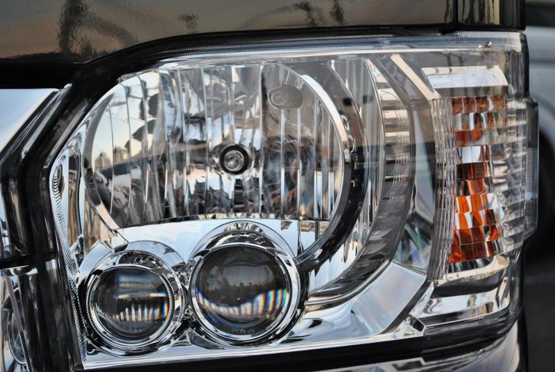夜間も明るいLEDヘッドライト装着♪ | トヨタ ハイエース 2.7 GL ロング ミドルルーフ TSS付 ナビパッケージ