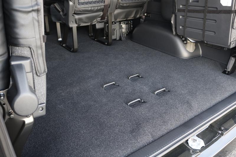最後部シートは跳ね上げ式なのでお荷物もたくさんのります♪ | トヨタ ハイエース 2.7 GL ロング ミドルルーフ TSS付 ナビパッケージ
