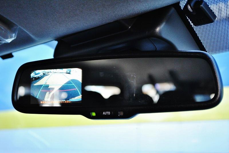 バックカメラ内蔵自動防眩ミラー付き♪ | トヨタ ハイエース 2.7 GL ロング ミドルルーフ TSS付 ナビパッケージ