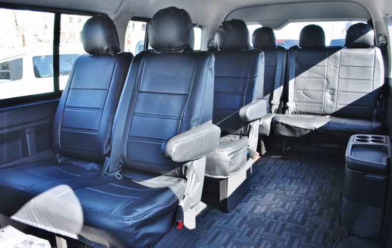 使いやすい純正シート配列です♪   トヨタ ハイエース 2.7 GL ロング ミドルルーフ 4WD クラシックリノカ オークブラウンパール