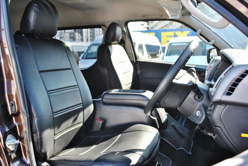 長時間でも疲れにくいシートです!   トヨタ ハイエース 2.7 GL ロング ミドルルーフ 4WD クラシックリノカ オークブラウンパール