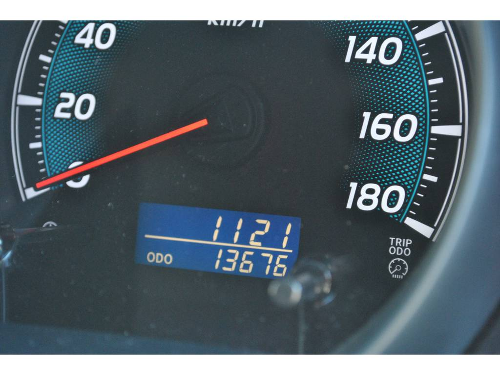 低走行の1万キロ台です。 | トヨタ ハイエース 2.7 GL ロング ミドルルーフ 4WD クラシックリノカ オークブラウンパール