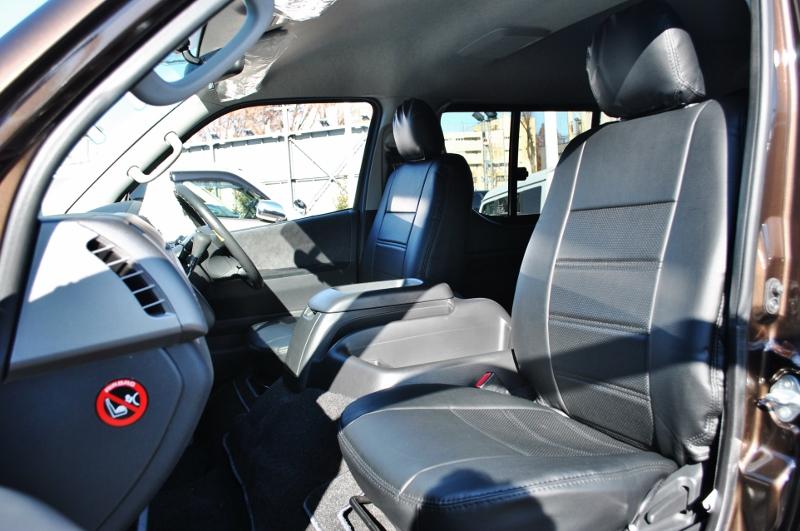 全席レザー調シートカバー施工済み! | トヨタ ハイエース 2.7 GL ロング ミドルルーフ 4WD クラシックリノカ オークブラウンパール