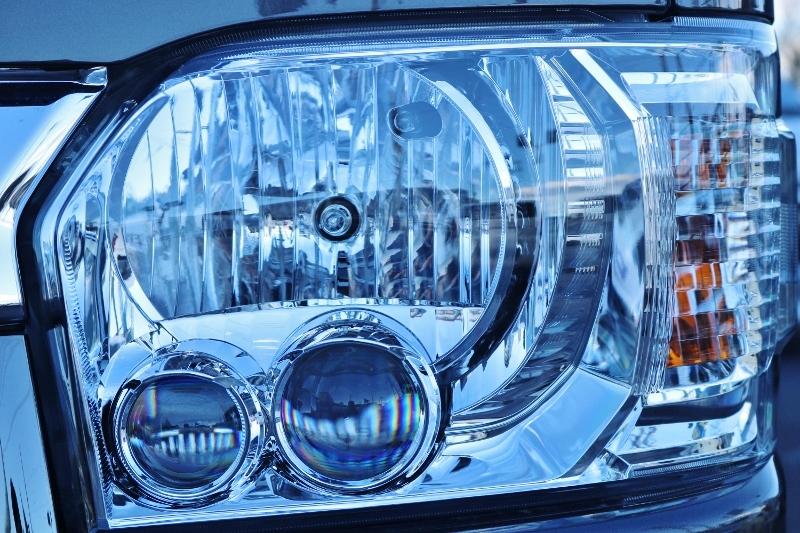 LEDヘッドライト付きなので夜間も明るいです♪   トヨタ ハイエースバン 2.0 スーパーGL 50TH アニバーサリー リミテッド ロングボディ パワスラ付 Ver4ベットキット
