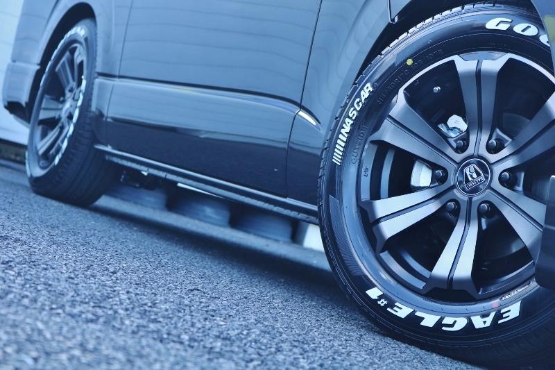 バルベロ アーバン 17インチ オリジナルカラー&ナスカーの組み合わせ♪   トヨタ ハイエースバン 2.0 スーパーGL 50TH アニバーサリー リミテッド ロングボディ パワスラ付 Ver4ベットキット
