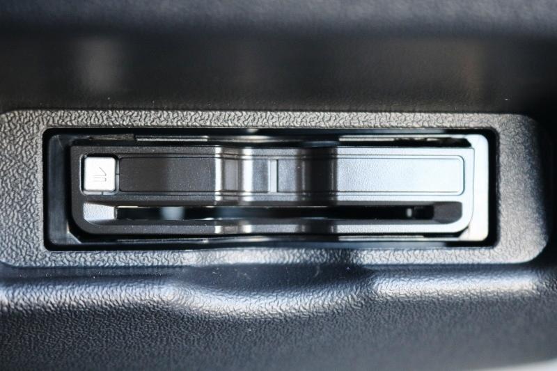 秘術品のETC付き♪ | トヨタ ハイエース 2.7 GL ロング ミドルルーフ TSS付 シートアレンジ AS
