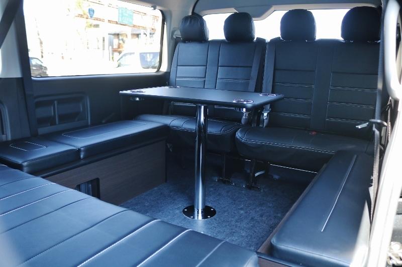 リアにはテーブル付きなので対面してお食事などできます!! | トヨタ ハイエース 2.7 GL ロング ミドルルーフ TSS付 シートアレンジ AS