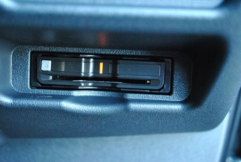 ETCはすっきり収まる場所に付いてます♪ | トヨタ ハイエースバン 2.8 スーパーGL ダークプライムⅡ ロングボディ ディーゼルターボ 4WD Ver4 小窓あり