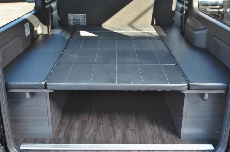 寝心地の良いベット付き♪ | トヨタ ハイエースバン 2.8 スーパーGL ダークプライムⅡ ロングボディ ディーゼルターボ 4WD Ver4 小窓あり