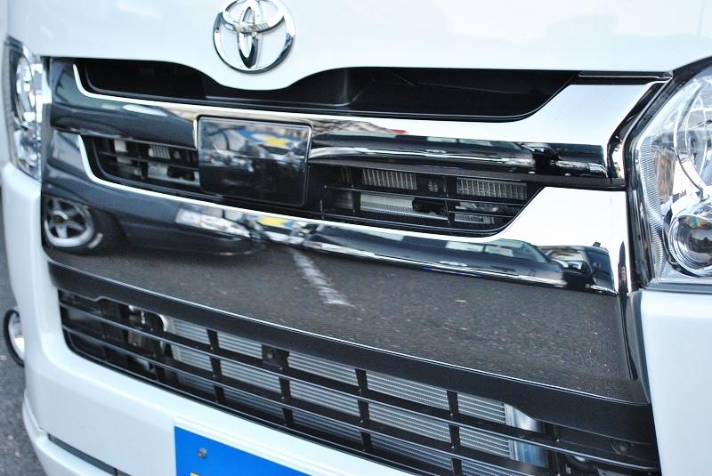 話題の自動ブレーキ付き♪ | トヨタ ハイエースバン 2.8 スーパーGL ダークプライムⅡ ロングボディ ディーゼルターボ 4WD 小窓付き