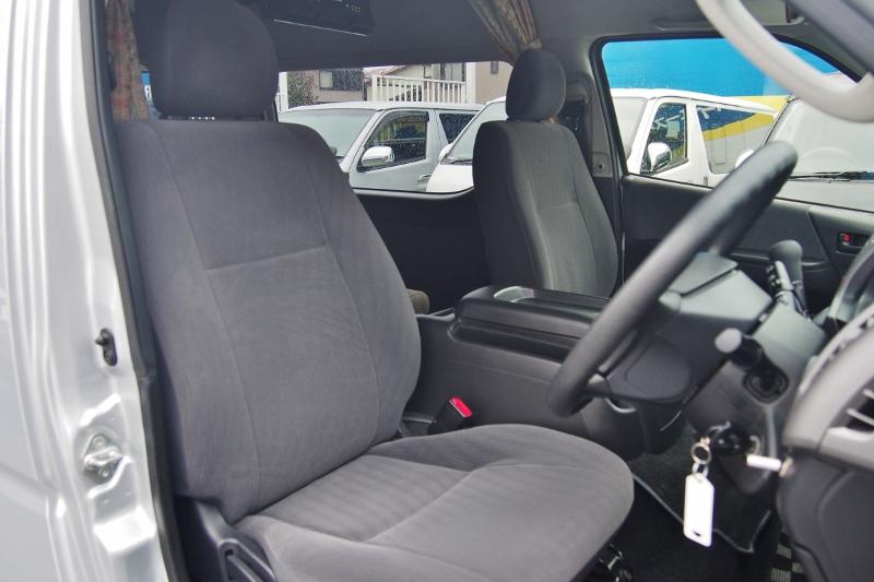 運転しやすい広々した空間です♪その他写真はGOOで掲載! | トヨタ ハイエースバン 2.7 DX ワイド スーパーロング ハイルーフ GLパッケージ キャンパー特装 ナッツ